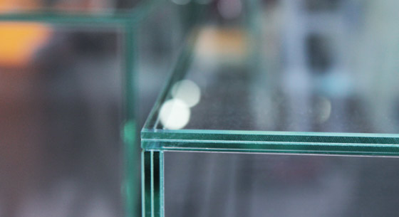 collage uv assemblage de verre et miroir. Black Bedroom Furniture Sets. Home Design Ideas