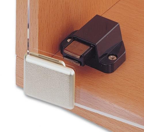 fermeture magn tique et poign e de porte gauche ref bohle bo5205284 bohle. Black Bedroom Furniture Sets. Home Design Ideas
